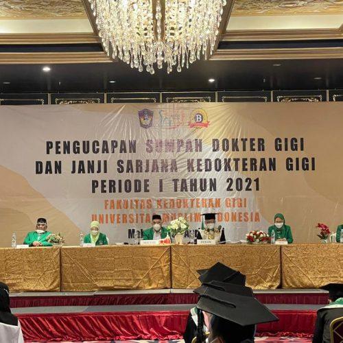 PENGUCAPAN SUMPAH DOKTER GIGI DAN JANJI SARJANA KEDOKTERAN GIGI PERIODE I TAHUN 2021 UNIVERSITAS MUSLIM INDONESIA, FAKULTAS KEDOKTERAN GIGI
